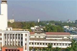 iit kharagpur received a grant of nearly two crore rupees from alumni