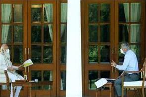pm modi meeting with cds general rawat on corona