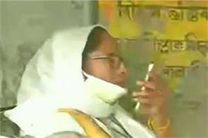 trinamool supporters are not being allowed to vote