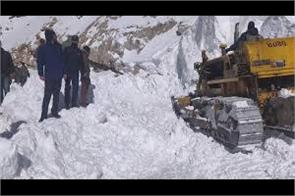death toll reaches to 7 in leh snow avlanche