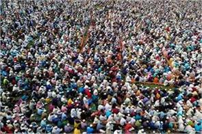 the world is adopting social distancing crowd of 25 000 in bangladesh