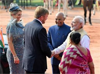 भारत दौरे पर आए नीदरलैंड के राजा विलेम-अलेक्जेंडर और रानी मैक्सिमा का पीएम मोदी और राष्ट्रपति कोविंद ने किया स्वागत