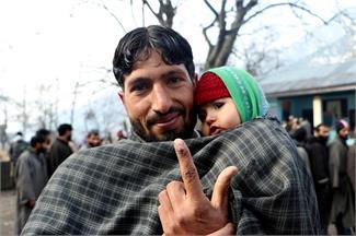 370 हटने के बाद पहली बार हुए चुनाव को लेकर घाटी में दिखा जबरदस्त उत्साह
