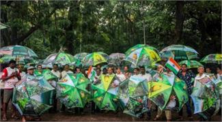 पर्यावरण बचाने के लिए सड़कों पर उतरे मुंबई वासी
