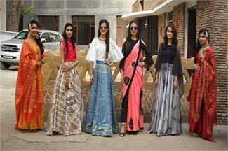 लायलपुर खालसा कॉलेज फॉर वुमैन में करवाई गई एल्यूमनाई मीट, देखें तस्वीरें