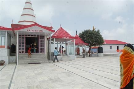 पहाड़ की सबसे ऊंची चोटी पर है ये काली मंदिर(pics