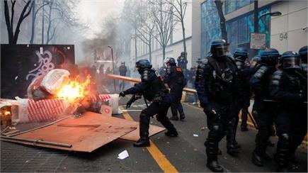 फ्रांस में नए सुरक्षा विधेयक के विरोध में हिंसक प्रदर्शन, 52 हजार से...