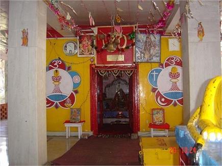 इस मंदिर में शीश न झुकाने पर हो जाती है अनहोनी, देखें तस्वीरें