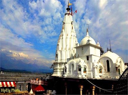 हिमाचल प्रदेश के मंदिर में बनाई गई 1,600 किलोग्राम मक्खन से देवी की...