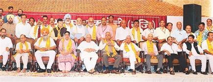 श्री रामनवमी द्वारा आयोजित सम्मान समारोह में कमेटी सदस्यों ने बाखूबी...