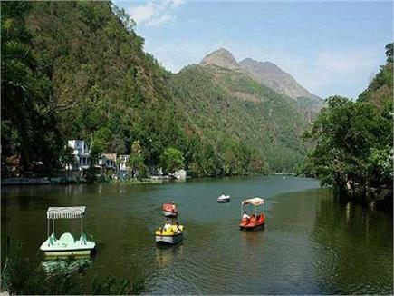 रेणुका झील में आस्था की डुबकी लगाने पर पापों से मिलती है मुक्ति (pics)