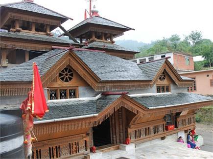 इस मंदिर में मासिक धर्म की वजह से 4 दिन माता के नहीं होते दर्शन