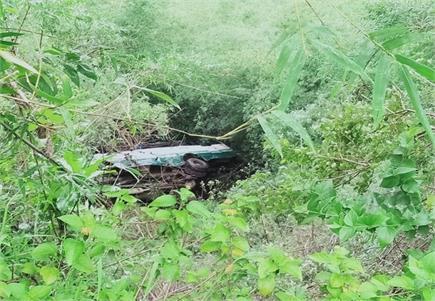 सोलन में सड़क हादसा, सवारियों से भरी बस खाई में गिरी, 31 लोग घायल
