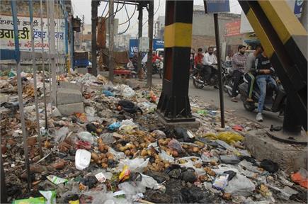 क्या टूटी और कूड़े से भरी सड़कों से गुजरेगा अंतर्राष्ट्रीय नगर कीर्तन!