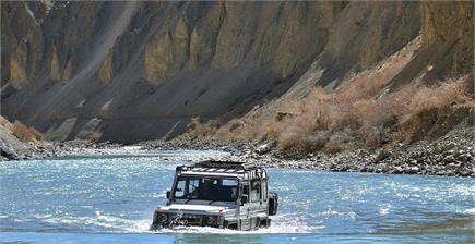 Hummer को मात देगी यह भारतीय SUV, जानें कीमत और फीचर्स