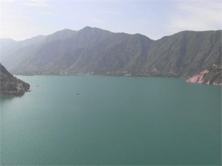 पर्यटन और रोजगार का माध्यम बनी तत्तापानी की झील (Watch Pics)