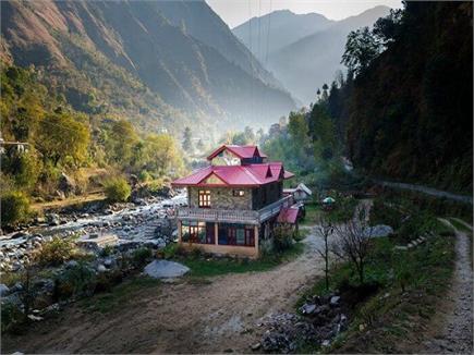 गर्मियों में जन्नत से कम खूबसूरत नहीं हैं हिमाचल की ये तीर्थन वैली