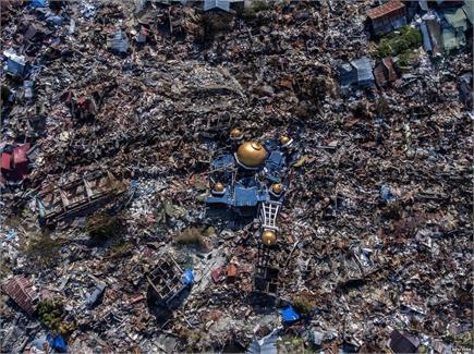 भूकंप और सुनामी से तबाह हो गया इंडोनेशिया,  Photos देख दहल जाएगा दिल