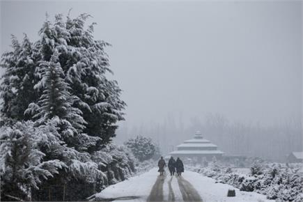 जम्मू-कश्मीर में अगले 72 घंटे भारी बारिश और बर्फबारी का अलर्ट जारी