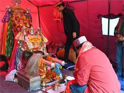 मां हिडिंबा मंदिर में लगा श्रद्धालुओं का तांता, गोविंद ठाकुर ने लिया...