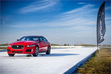 जगुआर ने पेश की शानदार कार, BMW को मिलेगी कड़ी टक्कर