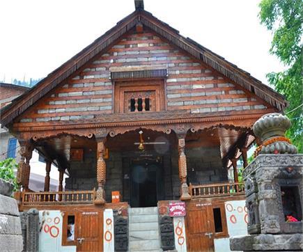 विशेष पहचान बनाए इस मंदिर में होती है गायत्री माता के रूपों की पूजा,...