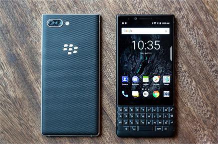 ड्यूल रियर कैमरे के साथ BlackBerry ने पेश किया नया स्मार्टफोन