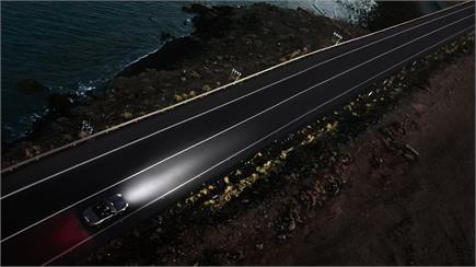 JLR ने लॉन्च की F-टाइप स्पोर्ट्स कार, लुक है बेहद स्टाइलिश