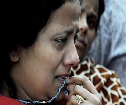 अमृतसर रेल हादसा: तस्वीरों में बिखरी मौत की दर्दनाक कहानी