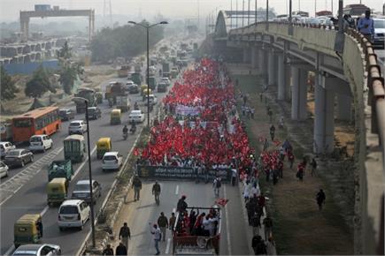 दिल्लीः देशभर के किसानों का रामलीला मैदान से संसद तक मार्च