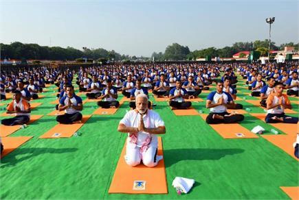 International Yoga Day: PM मोदी, बाबा रामदेव से लेकर आमजन तक में दिखा...