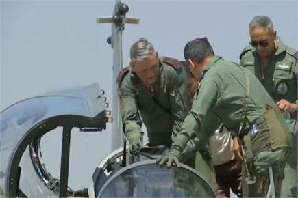 सेना प्रमुख बिपिन रावत ने तेजस से भरी उड़ान, राफेल ने भी दिखाया दम