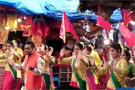 नयनादेवी में मास्टर सलीम के गानों की शूटिंग, Fans ने जमकर ली Selfie...