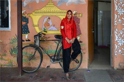 राजस्थान की पहली महिला कुली मंजू देवी, देश की 112 प्रथम महिलाओं में...