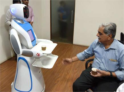 अहमदाबाद के कैफिटीरिया में वेटर बनेंगे रोबॉट, एेसे पेश करेंगे चाय