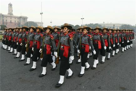 Republic Day parade 2019: कड़ाके की ठंड में रिहर्सल करते जवान