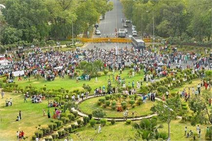 सड़क पर उतरे केजरीवाल के मंत्री- AAP के मार्च से लगा जाम, दिल्लीवासी...