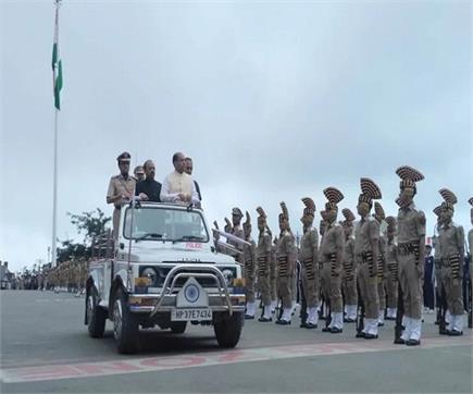 तस्वीरों में देखिए, 73वें स्वतंत्रता दिवस का देवभूमि में जश्न