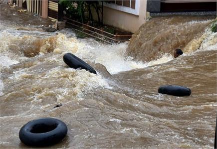 हैदराबाद में भारी बारिश ने मचाई तबाई