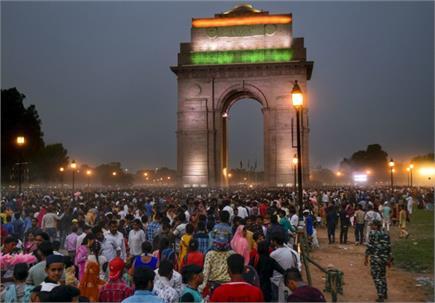 देशभर में दिखा ईद का उत्साह, इंडिया गेट की सजावट ने मोहा दिल