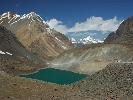 ये झील है समुद्रतल से करीब 5 हजार मीटर की ऊंचाई पर स्थित, देखें...