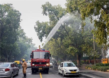 Pics of the day-फिर जहरीली हुई दिल्ली की हवा,सांस लेना हुआ मुश्किल