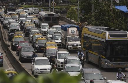 'अनलॉक' होते ही दिल्ली-मुबंई में ट्रैफिक जाम...कई जगह दिखीं...