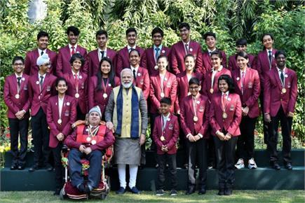 राष्ट्रीय पुरस्कार विजेता बच्चों से मिले PM मोदी, बाल वीरों की...