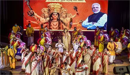 दुर्गा पूजा के मौके पर घर बैठे देखें पूजा पंडालों का खूबसूरत नजारा