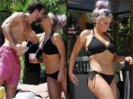 थाईलैंड में बॉयफ्रेंड को Lip Lock करती दिखीं केरी, सेक्सी बिकिनी पहन...