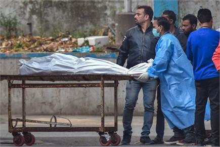 दिल्ली की अनाज मंडी में भीषण अग्निकांड से 45 की मौत, देखिए तस्वीरें