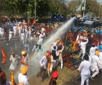 कांग्रेस के राज में अकालियों पर हल्ला बोल