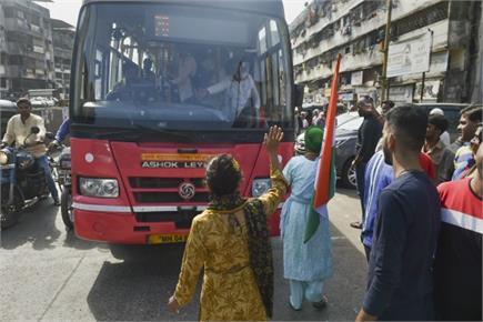 कहीं रोकी गई बस तो कहीं बाजार रहें बंद, CAA के खिलाफ भारत बंद का रहा...
