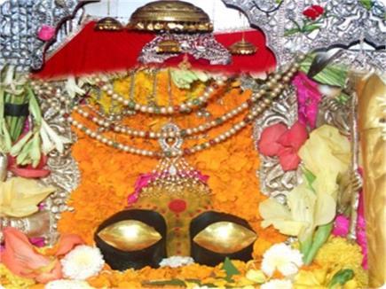 भक्तों की मनोकामनाएं पूरी करती हैं मां नैना देवी, देखें तसवीरें